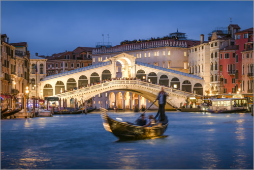 Premium poster Rialto Bridge in the evening