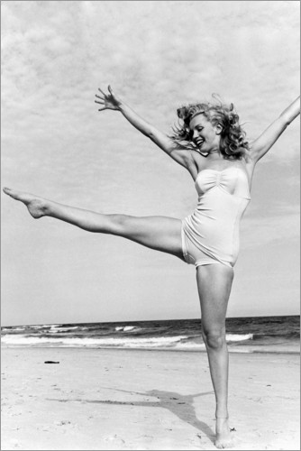 Premium poster Marilyn on the beach