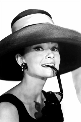 Premium poster Audrey Hepburn in a summer outfit
