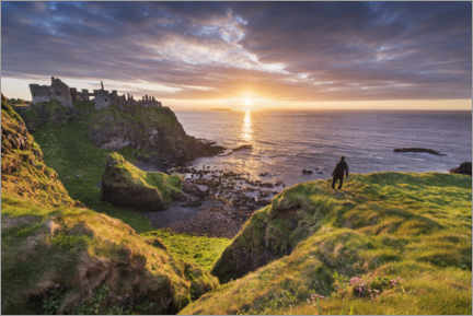 Acrylic print  Wanderer looks out over Ireland's coast - The Wandering Soul