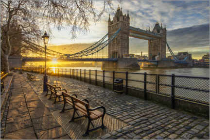 Premium poster  Tower Bridge in London at sunrise - Dieter Meyrl