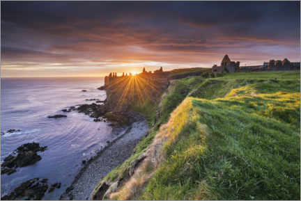 Canvas print  Castle ruins by the sea in Ireland at sunrise - The Wandering Soul