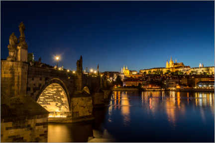 Premium poster  Charles Bridge in Prague at night - Julian Peters
