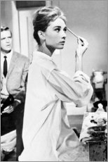 Canvas print  Audrey Hepburn putting on make-up - Celebrity Collection
