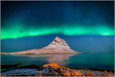 Canvas print  The Kirkjufell mountain in the northern light