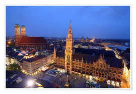 Premium poster  Church of our Lady and the new town hall in Munich at night - Buellom