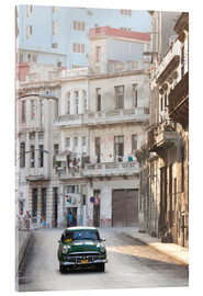 Acrylic print  Taxi driving in Havana - Lee Frost
