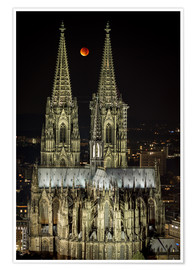 Premium poster  Blood moon shines over Cologne Cathedral - rclassen