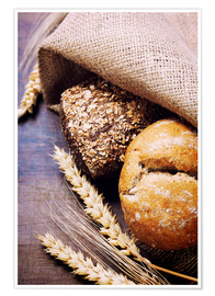 Premium poster  Freshly baked bread on wooden table