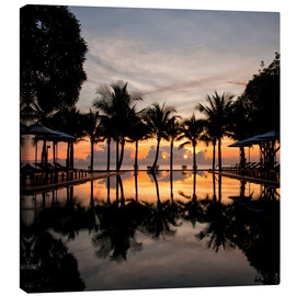 Canvas print  Luxury infinity pool on the Gulf of Thailand