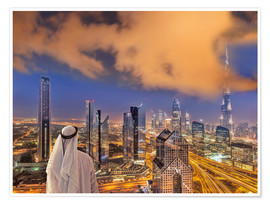 Premium poster Arab man looks over Dubai