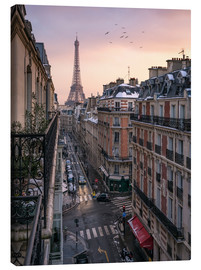 Canvas print  Street in Paris with Eiffel tower at sunset - Jan Christopher Becke