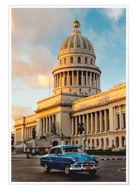 Premium poster Vintage car in historic Havana