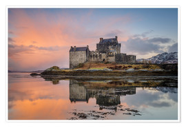 Premium poster  Dawn at Eilean Donan Castle - Andrew Sproule